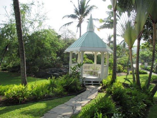 Sheraton Kona Resort & Spa at Keauhou Bay: Gazebo near the Chapel