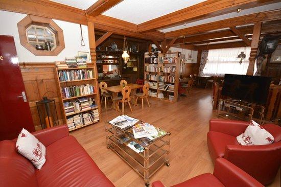 Hotel Roessli : Ground floor Lounge at the Roessli