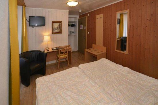 Hotel Roessli : Room 5 at the Roessli
