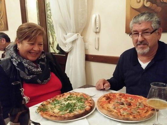 Tana del Lupo : unas esquisitas pizzas de no olvidar  nunca!!