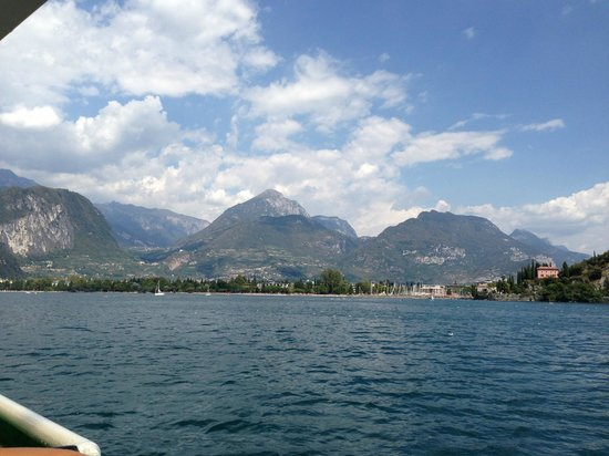 Hotel Villa Dirce: Ferry trip Lake Garda