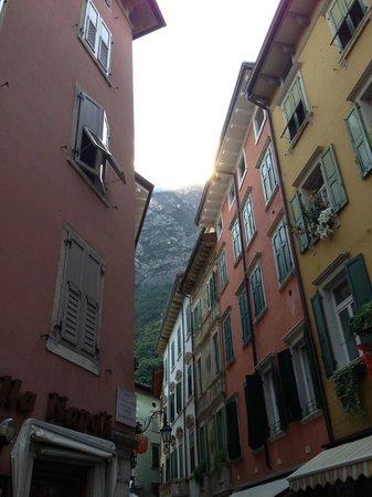 Hotel Villa Dirce: Limone streets