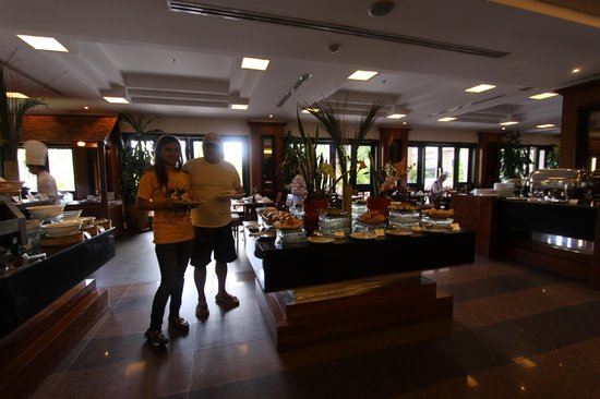 Angkor Miracle Resort & Spa: superb buffet breakfast with plenty of Asian twist!