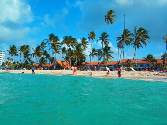 Decameron Isleño: Vista del hotel desde el mar