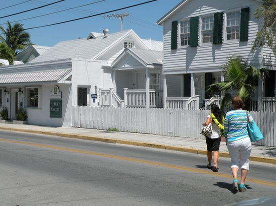Albury Court Hotel in Key West: ARRIVING OUR 1ST DAY