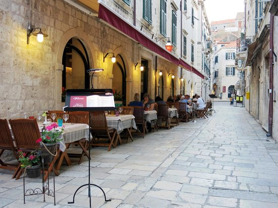 Trattoria Tezoro: Most enchanting street in Old City of Dubrovnik