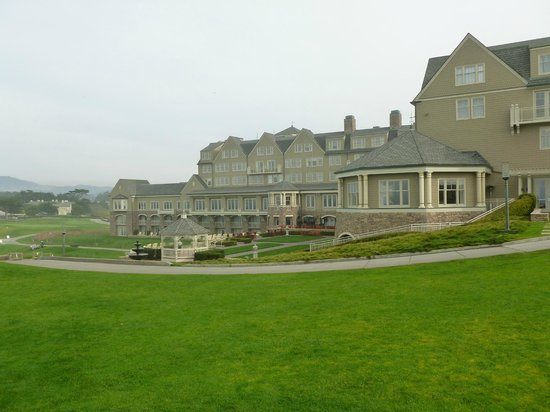 The Ritz-Carlton, Half Moon Bay : Hotel and grounds