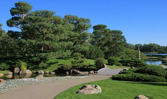 Nikka Yuko Japanese Garden: A lovely blue sky summer's day