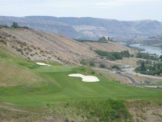 Highlander Golf Coruse: 17's reachable green from the forward tees.