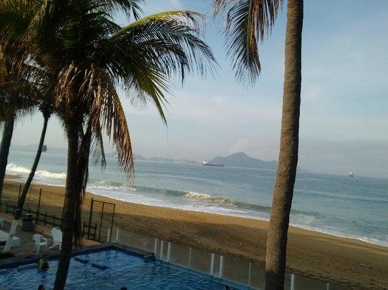 Hotel Marbella: Esta es una vista de la alberca desde la habitación