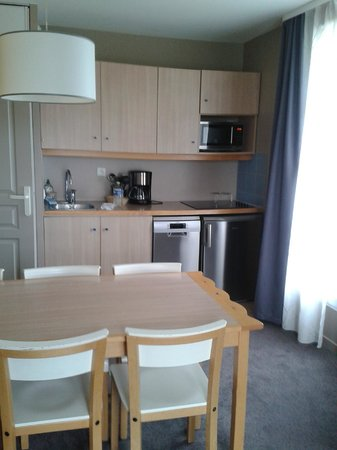 Adagio Aparthotel Val d'Europe: cocina