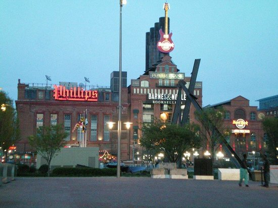 Phillips Seafood: Phillips at the Power Plant, Baltimore Inner Harbor