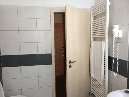 Hotel Ostruvek: Ванная комната