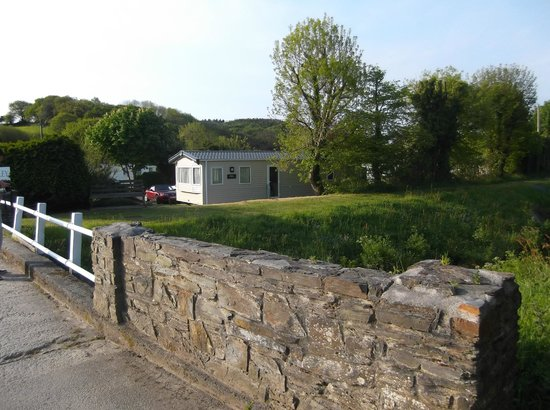 River Valley Holiday Park: River valley entrance