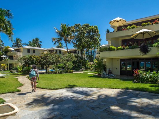 Cabarete Palm Beach Condos: Left entry from Beach