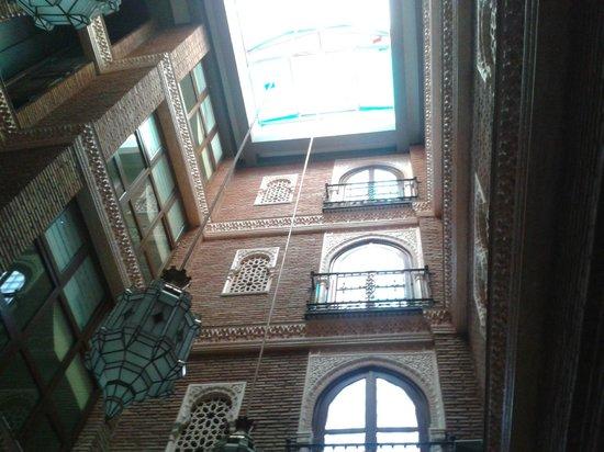 Hotel Las Almenas: Vistas hacia arriba desde el comedor