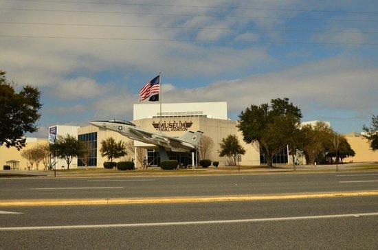 Museo Nacional de Aviación Naval: Entry