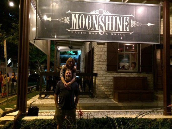Moonshine Patio Bar U0026 Grill: Hanging Out