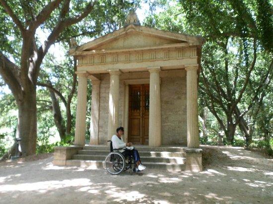 La Concepcion Jardin Botanico Historico de Malaga: Fachada clásica