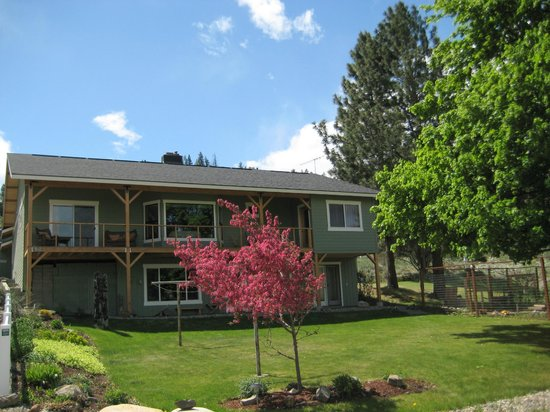 Methow Suites Bed and Breakfast: Methow Suites--a friendly, beurtiful place