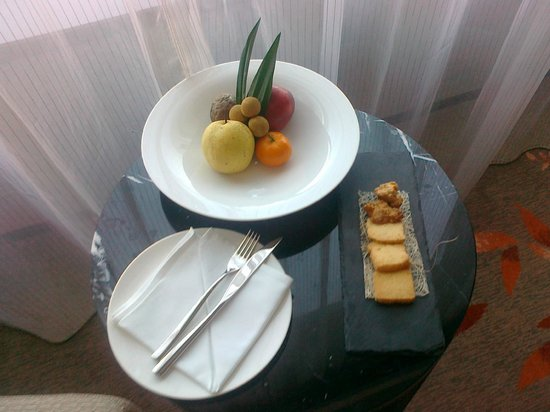 The Okura Prestige Bangkok : Wonderful food decor in the room