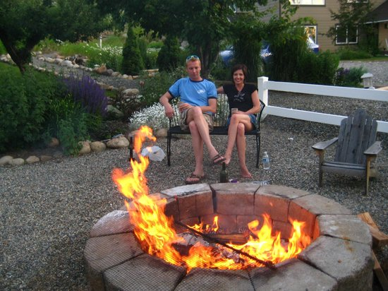 Methow Suites Bed and Breakfast: Relax here