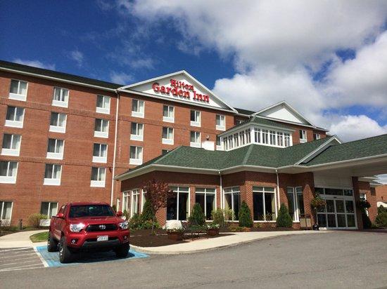 Hilton Garden Inn Bangor: ホテル正面