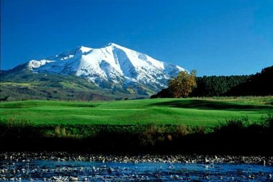 River Valley Ranch Golf Course: View of Mount Sopris