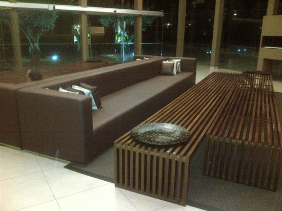São Rafael Suites : Reception Sofa's (Huge)