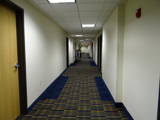 Days Inn & Suites Page Lake Powell: Hallway