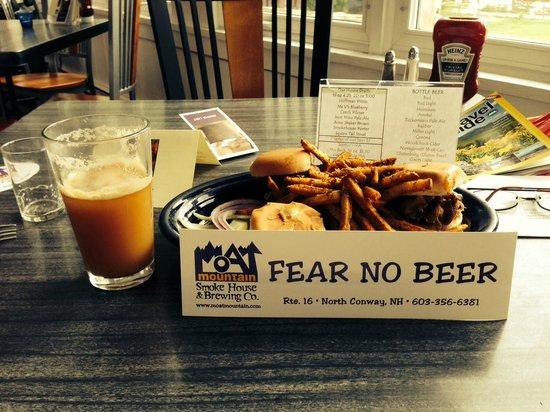 Moat Mountain Smokehouse: Brew & Que