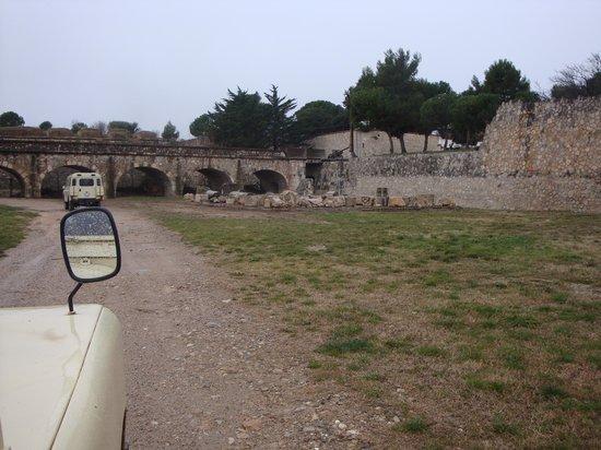 Castillo de San Fernando: Recorrido en jeep