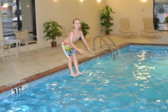 Hampton Inn Arkadelphia: Walking on water???