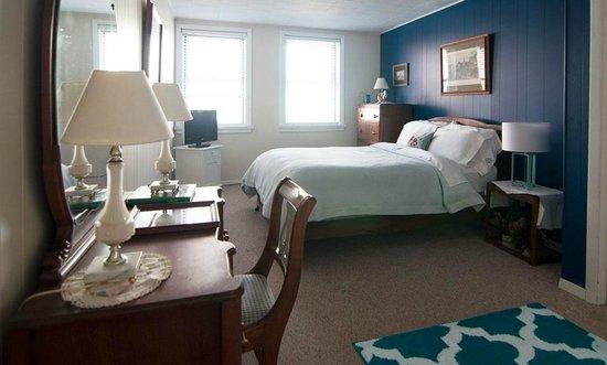 Blue Bedroom Inn: Pierce Room – 1 Queen size bed