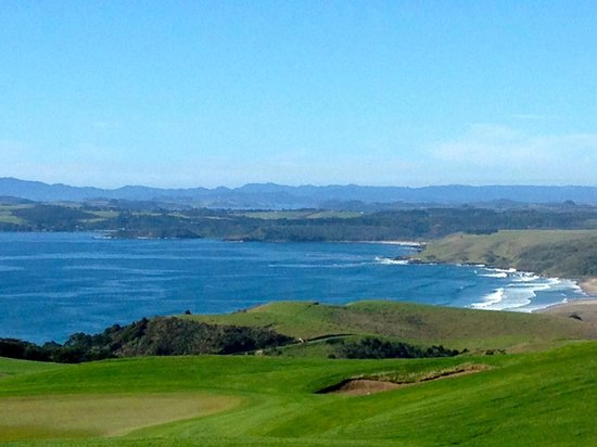 The Lodge at Kauri Cliffs : The view from breakfast at the Lodge.