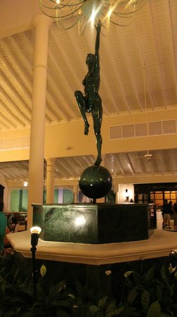 Luxury Bahia Principe Ambar Blue: Lobby / Bar Ambar