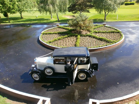 Laceby Manor Golf Club Restaurant and Bar: Drop Off Area