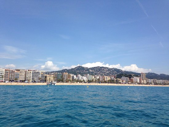 Rosamar Garden Resort: Beach 5 mins walk from hotel