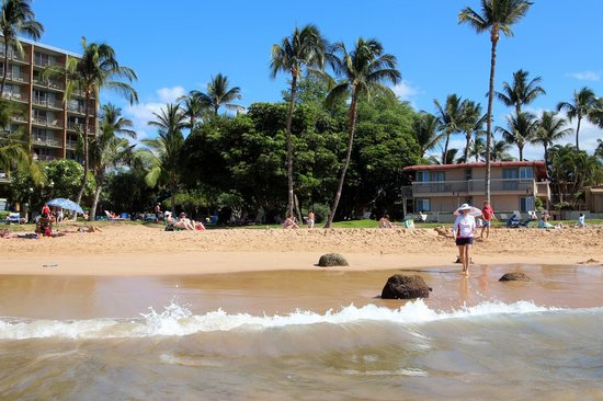Days Inn Maui Oceanfront: Пляж