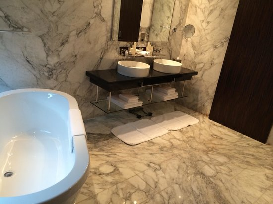 Bonnington Jumeirah Lakes Towers: This is an ensuite