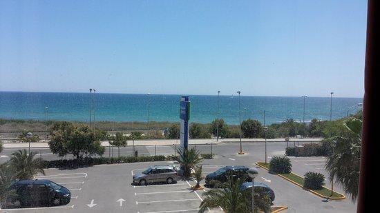 B&B Hotel Alicante: Kamer met zeezicht