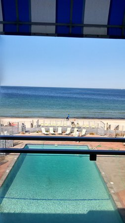 Sea Crest Beach Hotel: pool/ocean view