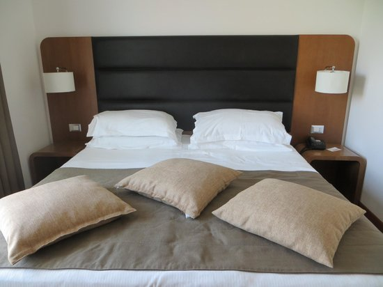 Hotel Plaza: Comfy bed