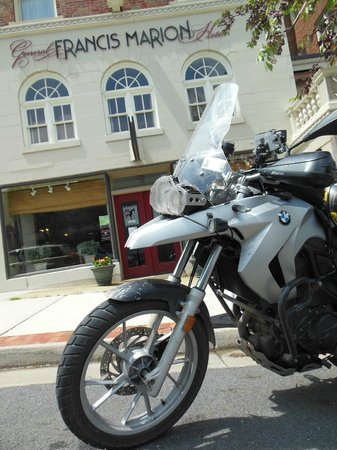 General Francis Marion Hotel: Riding heaven in Marion, VA