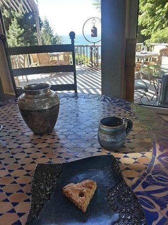 WildSpring Guest Habitat : breakfast