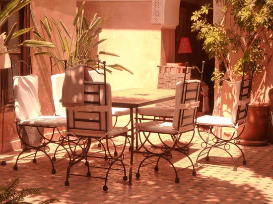 Riad Aguerzame : Le patio