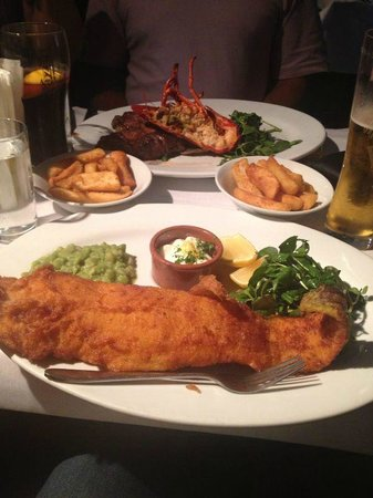 Relentless Steak & Lobster House : fish and chips main