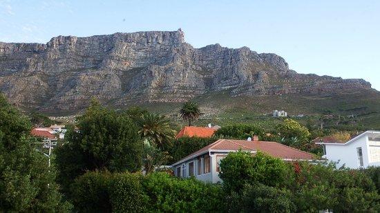 De Tafelberg Guesthouse: direkt unterhalb des Tafelberges