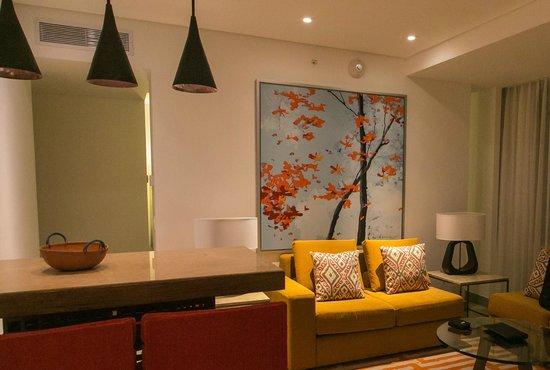 Cali Marriott Hotel: Junior suite living area