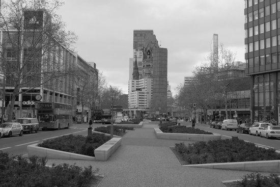 H10 Berlin Ku'damm : winkelgebied om de hoek